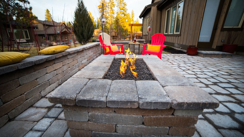 Outdoor-Firepit-BendOregon-1024x576