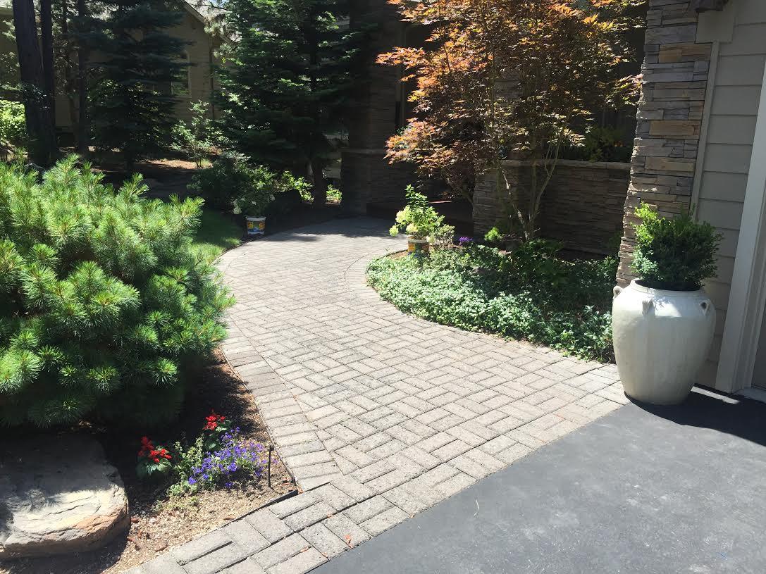 awbrey-glen-walkway